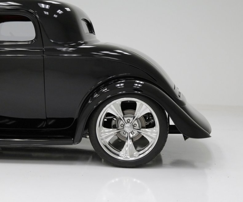 1934 Ford Coupe 19