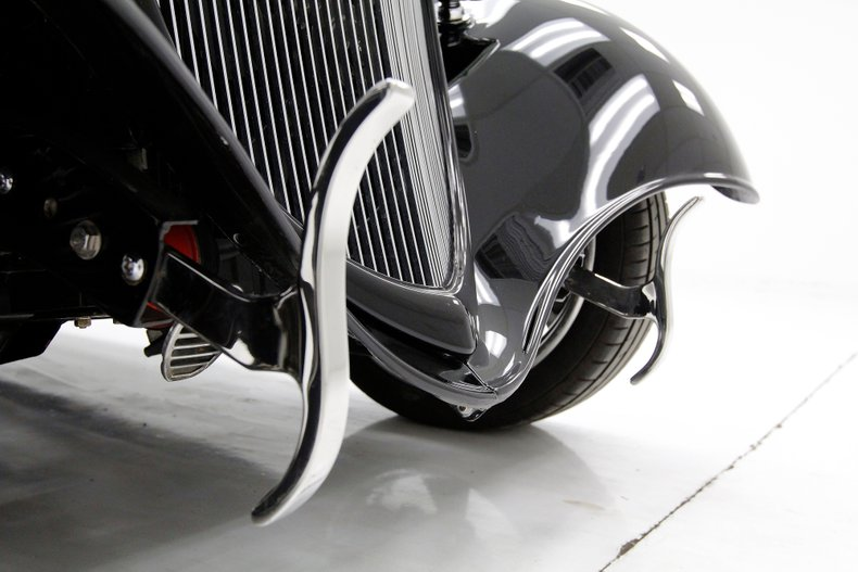 1934 Ford Coupe 10