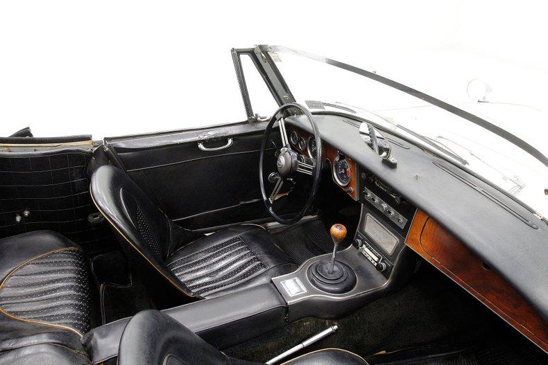 1967 Austin-Healey 3000 30