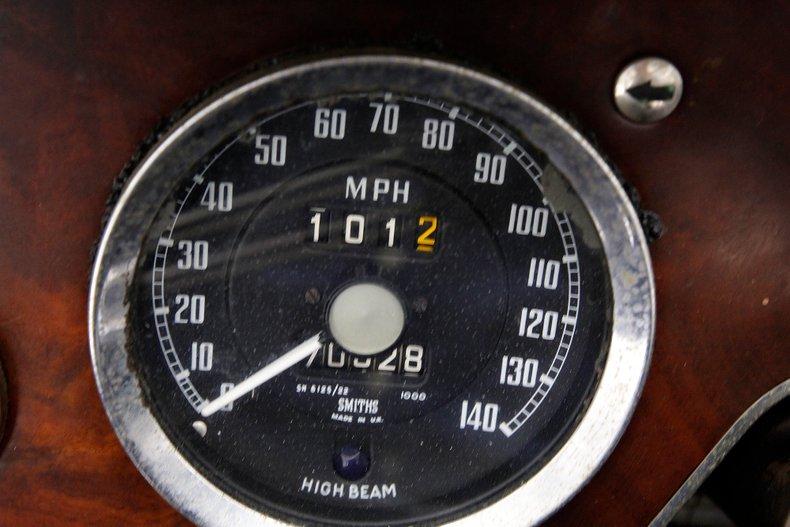 1967 Austin-Healey 3000 35