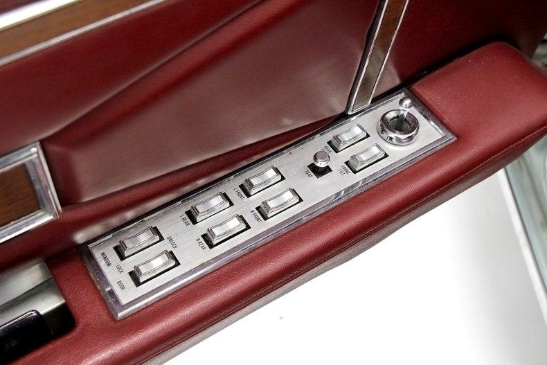 1971 Lincoln Mark III 31