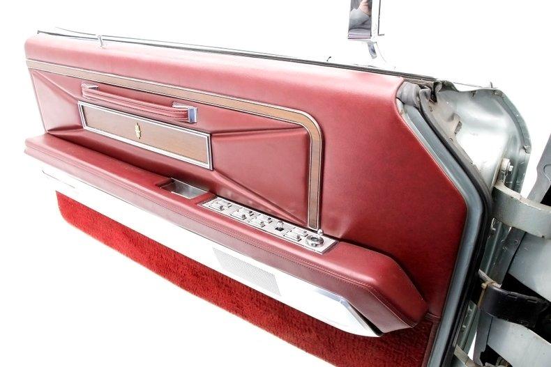 1971 Lincoln Mark III 30