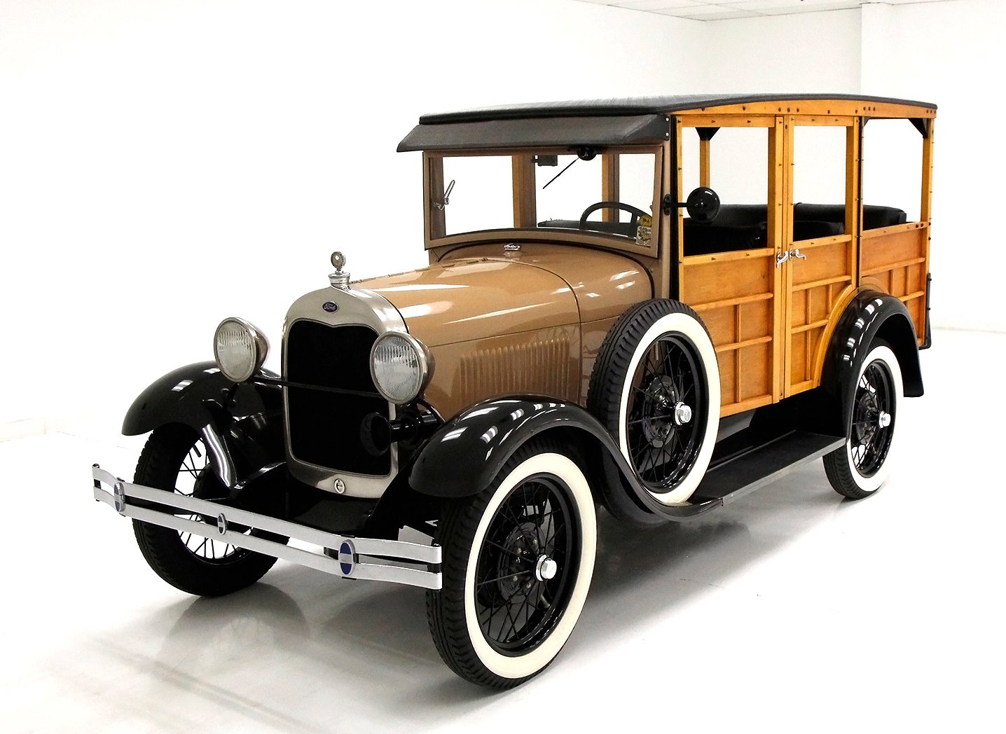 1929 Ford Woodie Station Wagon