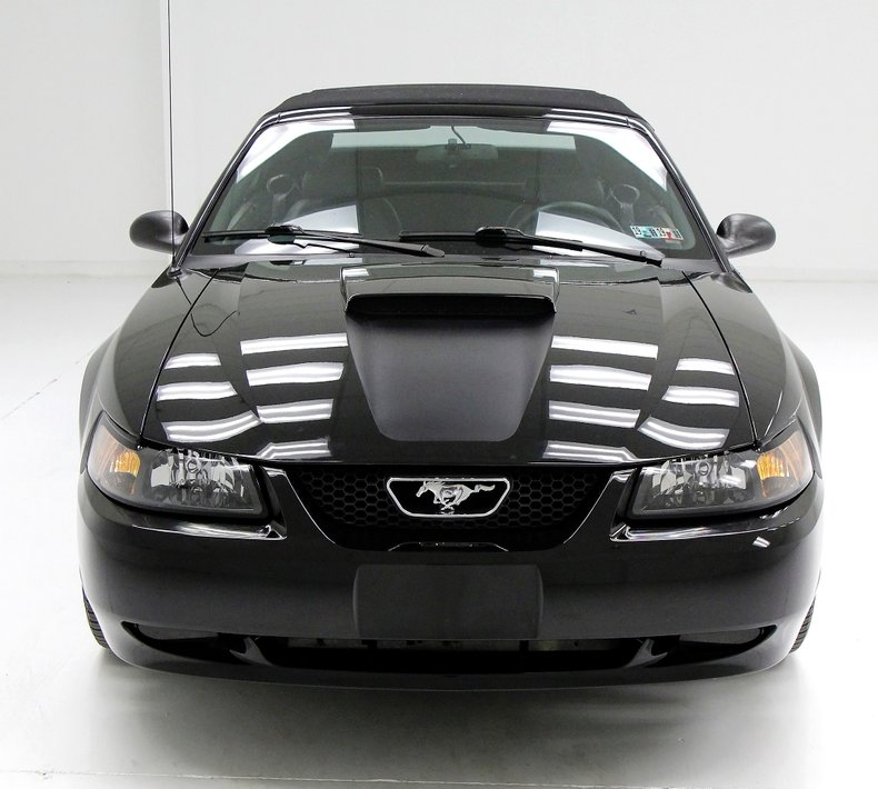 1999 Ford Mustang 9