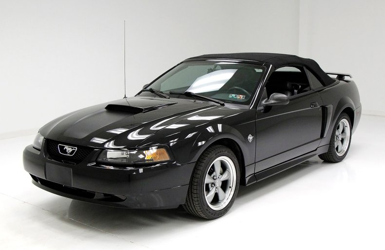 1999 Ford Mustang 1