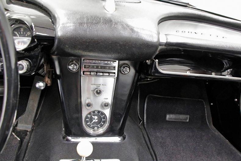1959 Chevrolet Corvette 38