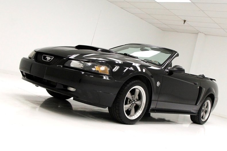 2004 Ford Mustang 8
