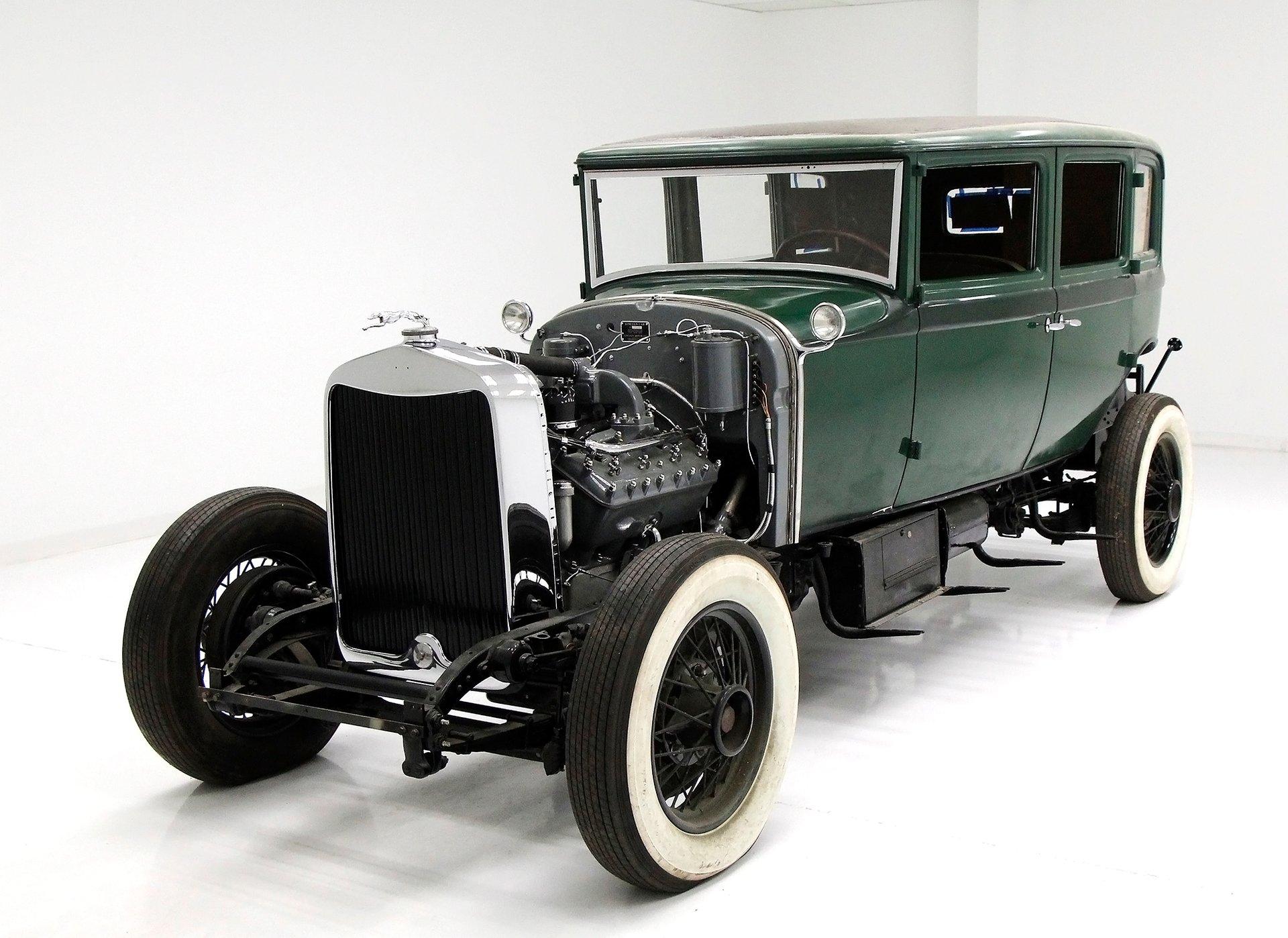 1930 Lincoln Model L Sedan