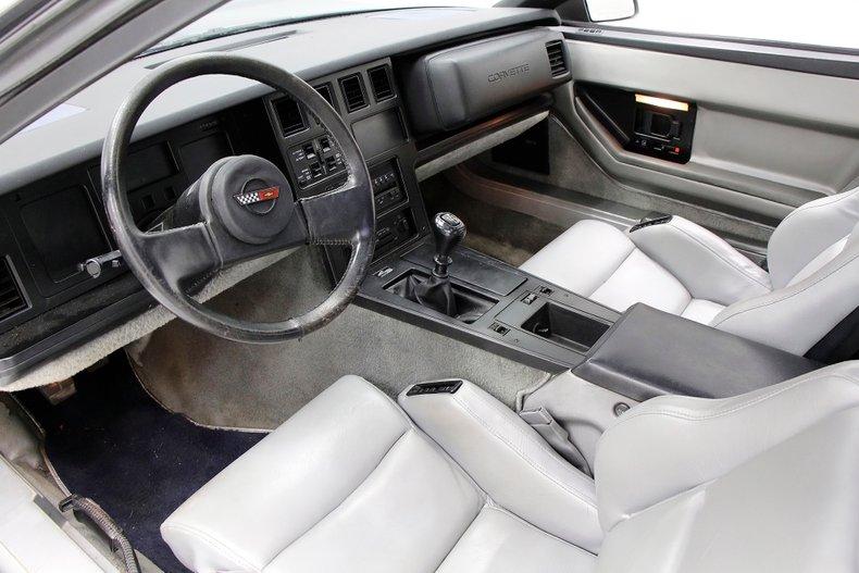 1985 Chevrolet Corvette 16