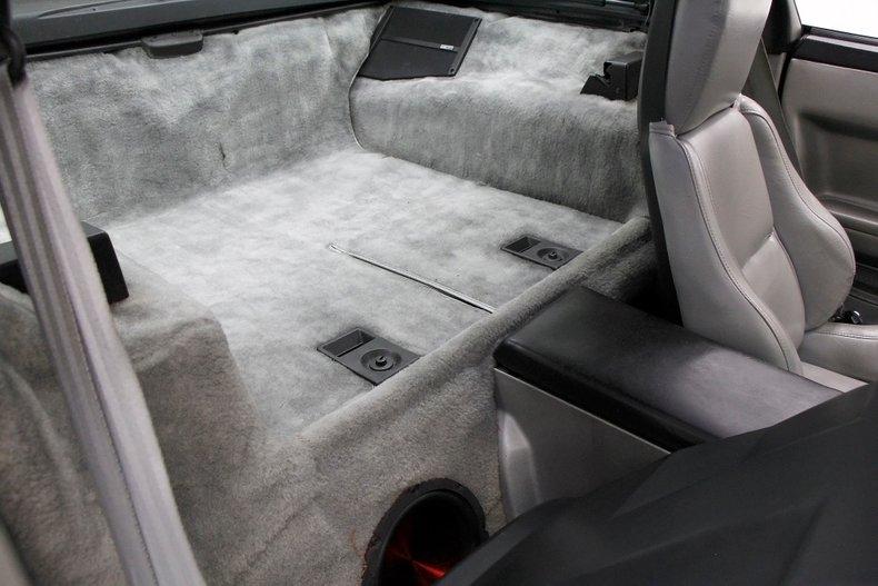 1985 Chevrolet Corvette 21