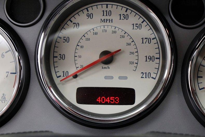 2006 Aston Martin Vanquish S 32