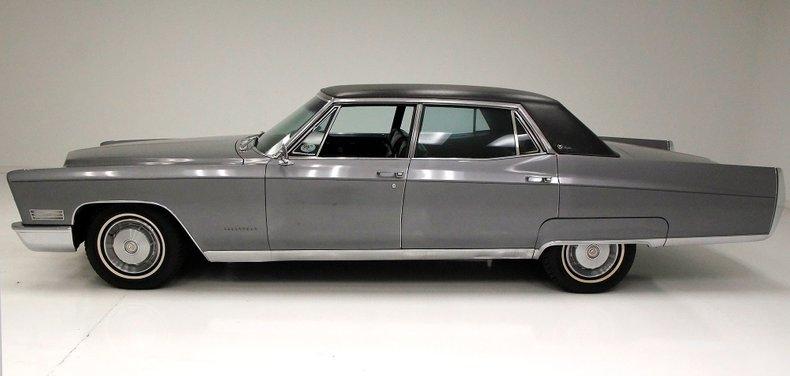 1967 Cadillac Fleetwood Brougham 2