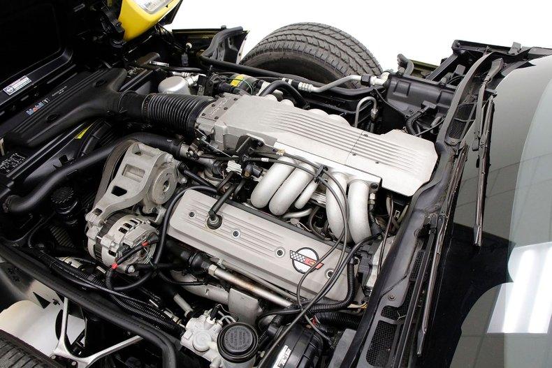 1986 Chevrolet Corvette 16