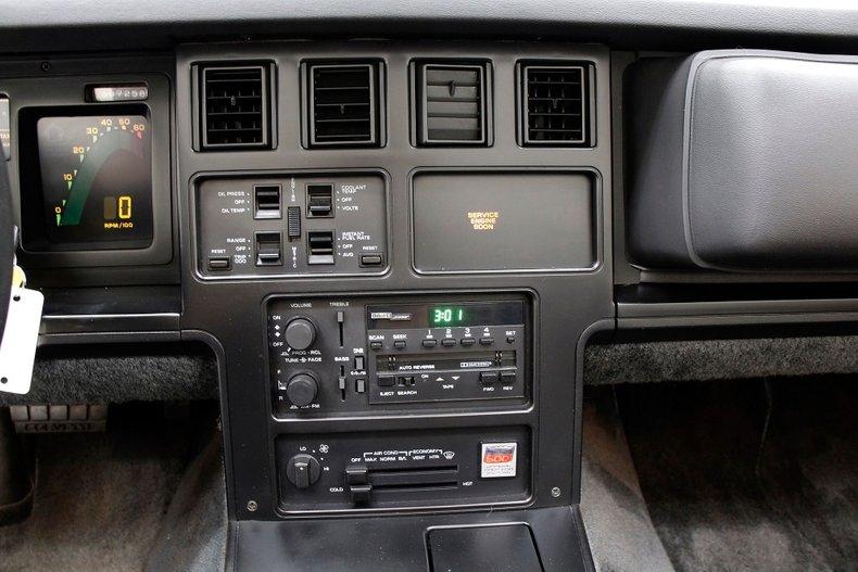 1986 Chevrolet Corvette 26