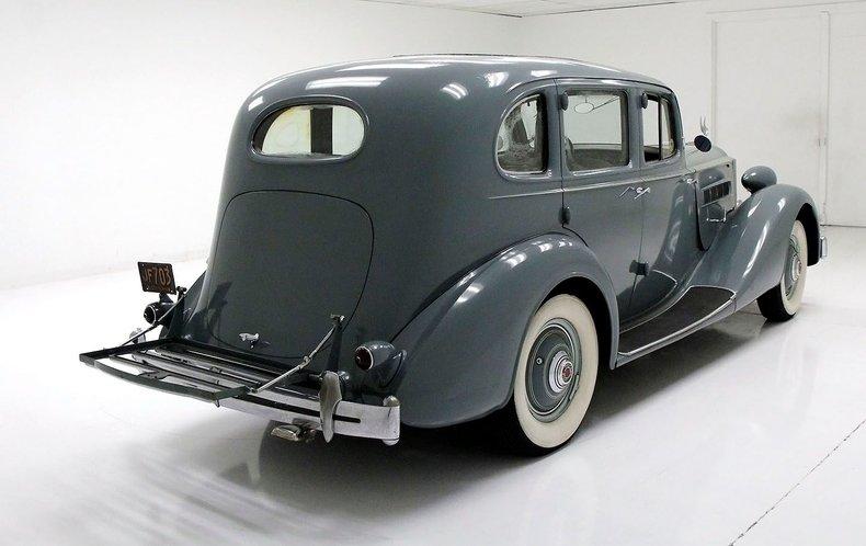 1935 Packard 1200 6