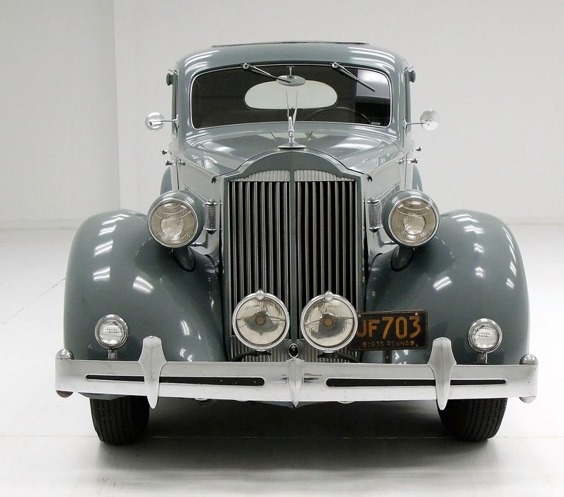 1935 Packard 1200 8