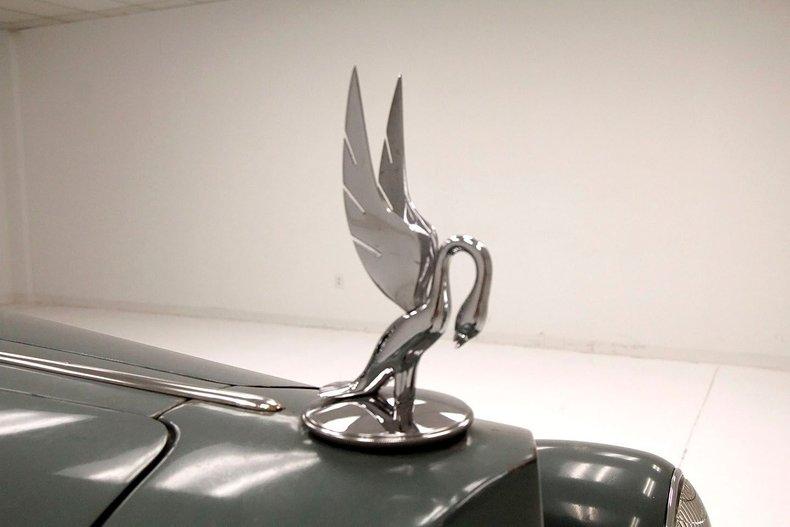 1935 Packard 1200 11