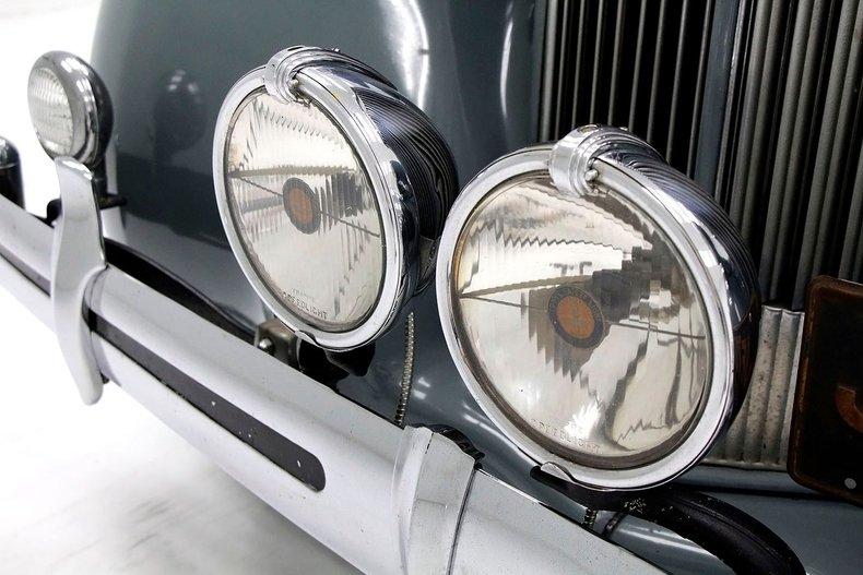 1935 Packard 1200 10