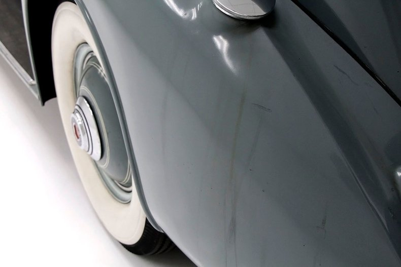 1935 Packard 1200 16