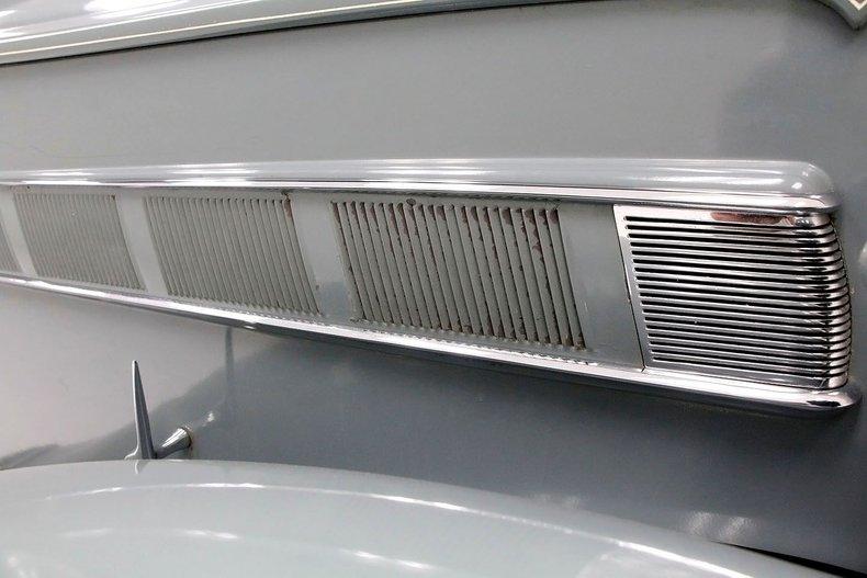 1935 Packard 1200 12