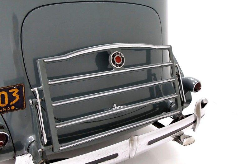 1935 Packard 1200 18