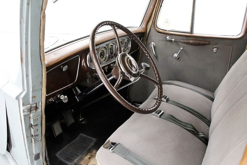 1935 Packard 1200 28