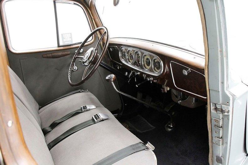 1935 Packard 1200 37