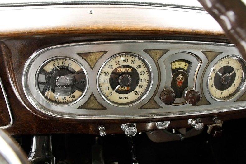 1935 Packard 1200 40