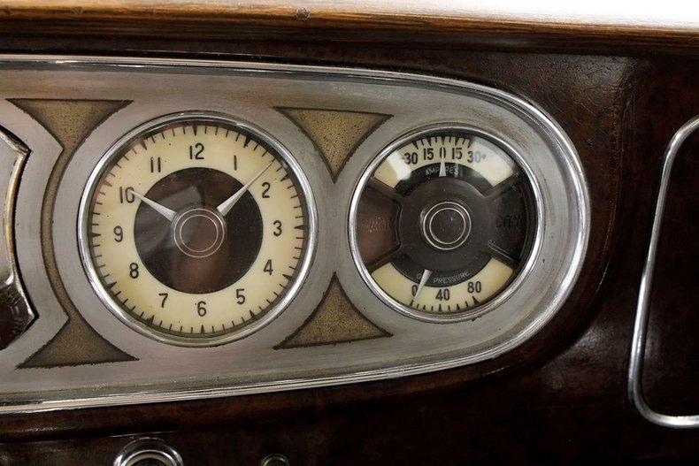 1935 Packard 1200 43