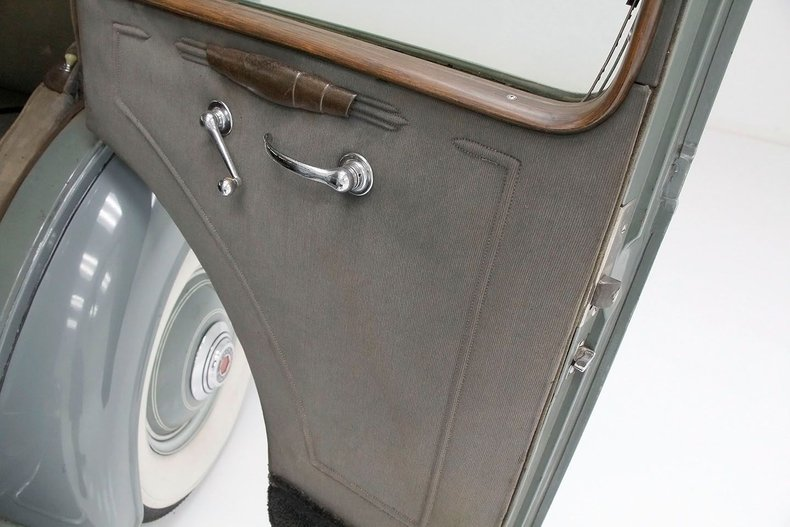 1935 Packard 1200 29