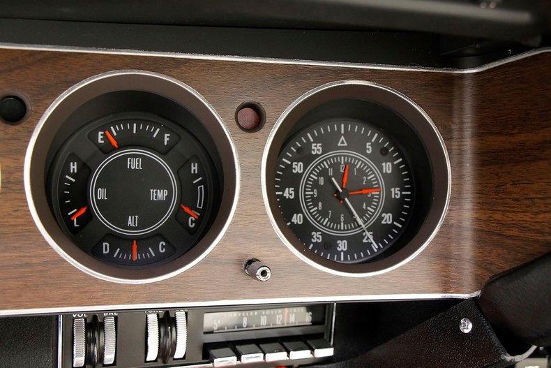 1970 Plymouth 'Cuda 38