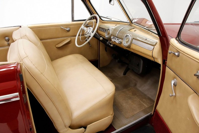 1948 Ford Super Deluxe 29