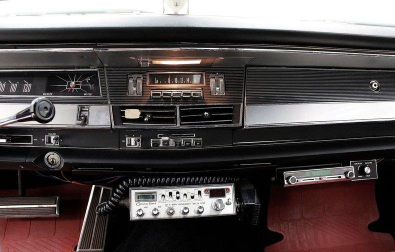 1967 Chrysler 300 28
