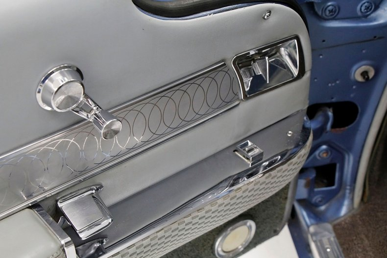 1960 Cadillac Coupe DeVille 28