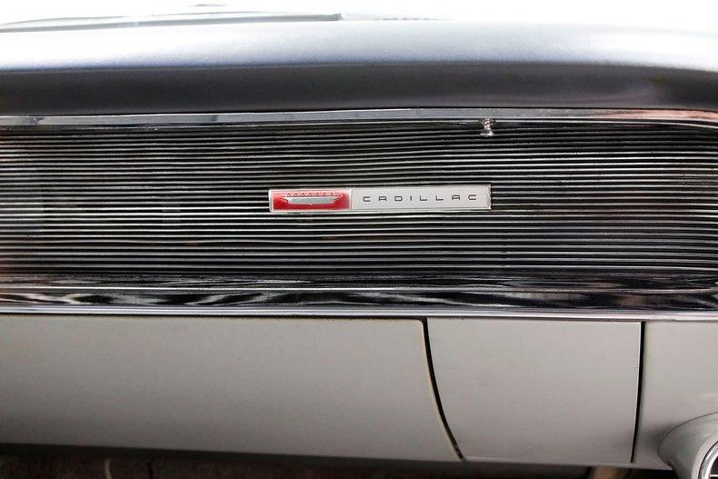 1960 Cadillac Coupe DeVille 32