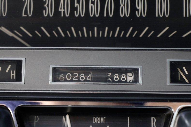 1960 Cadillac Coupe DeVille 35