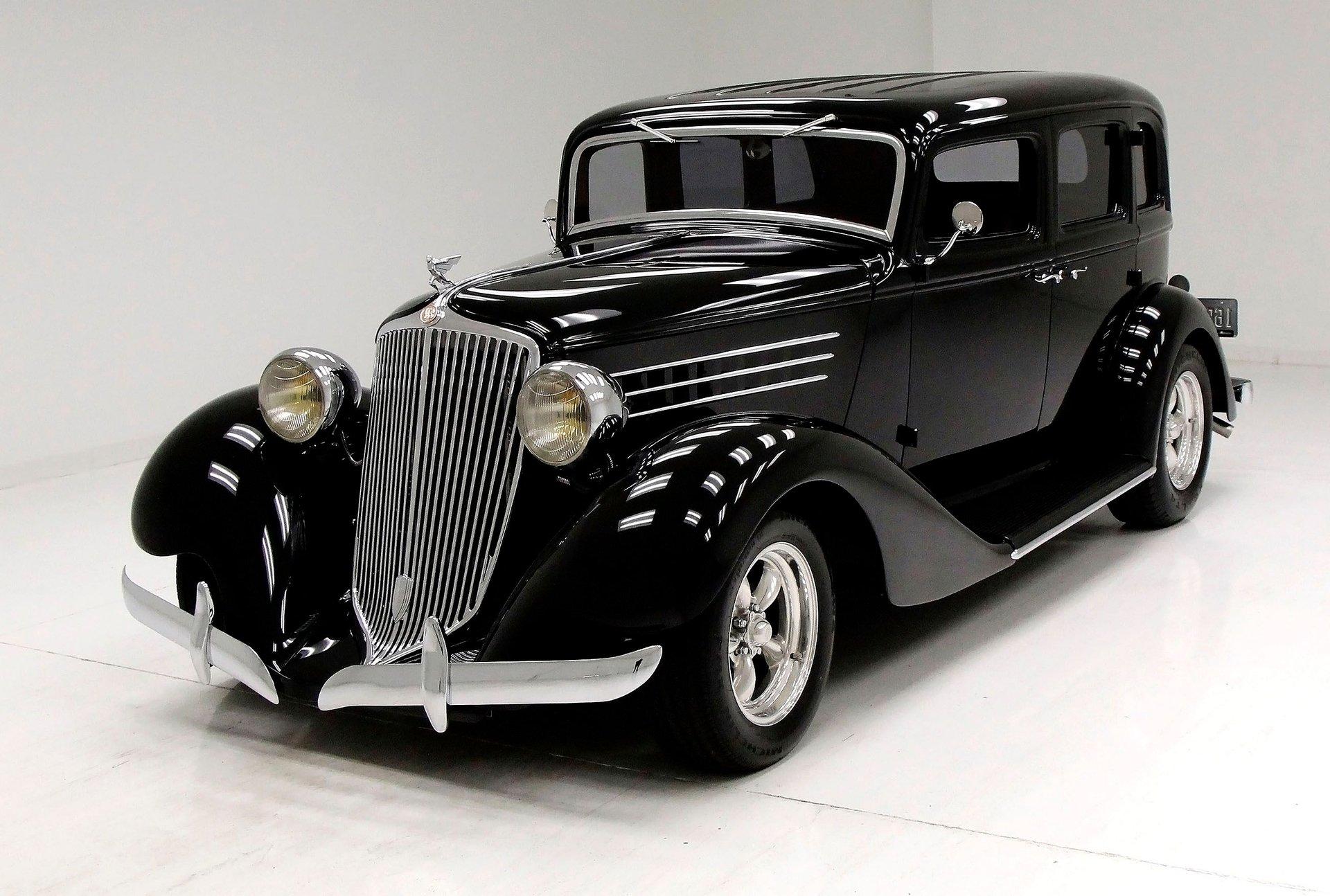 1935 Graham Model 73