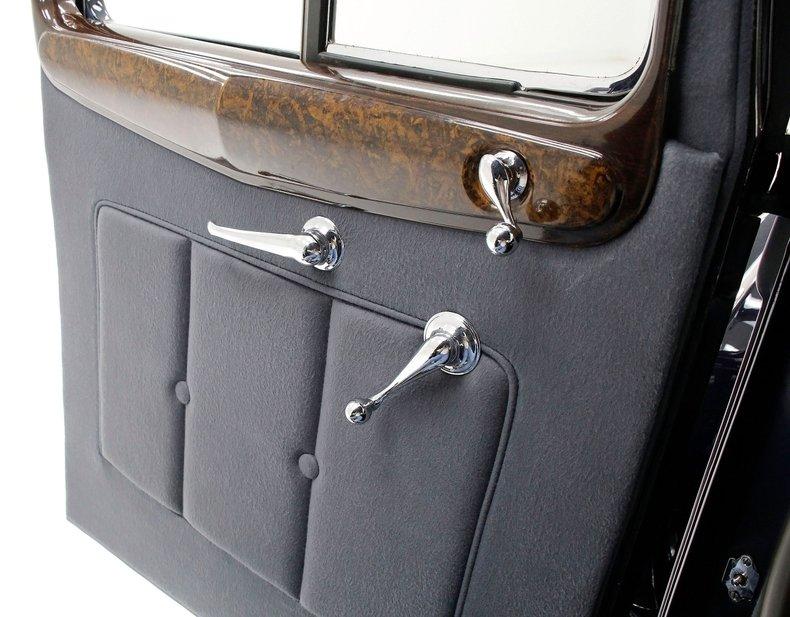 1934 Packard Twelve 25