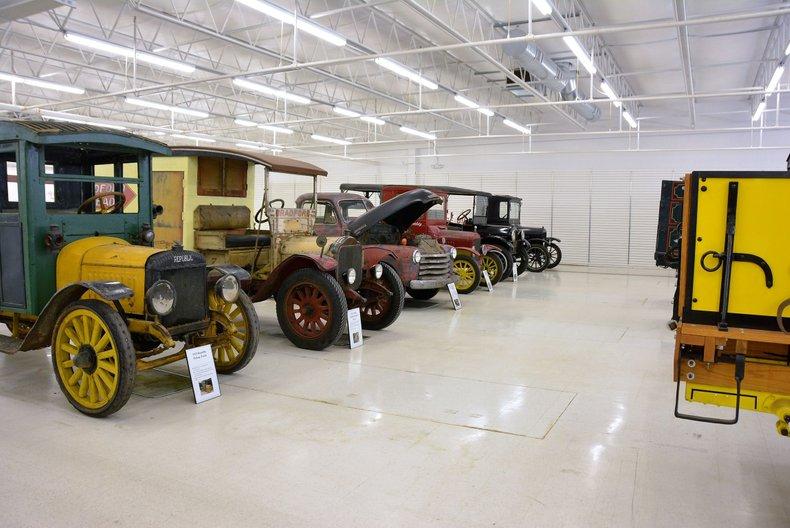 1934 Packard Twelve 61