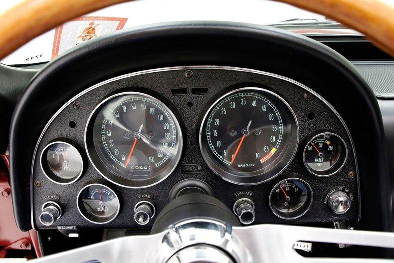 1966 Chevrolet Corvette 27