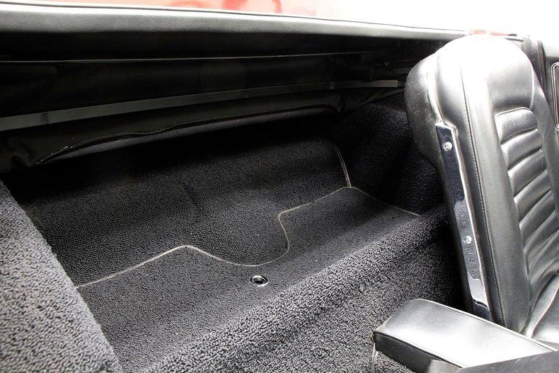 1966 Chevrolet Corvette 32