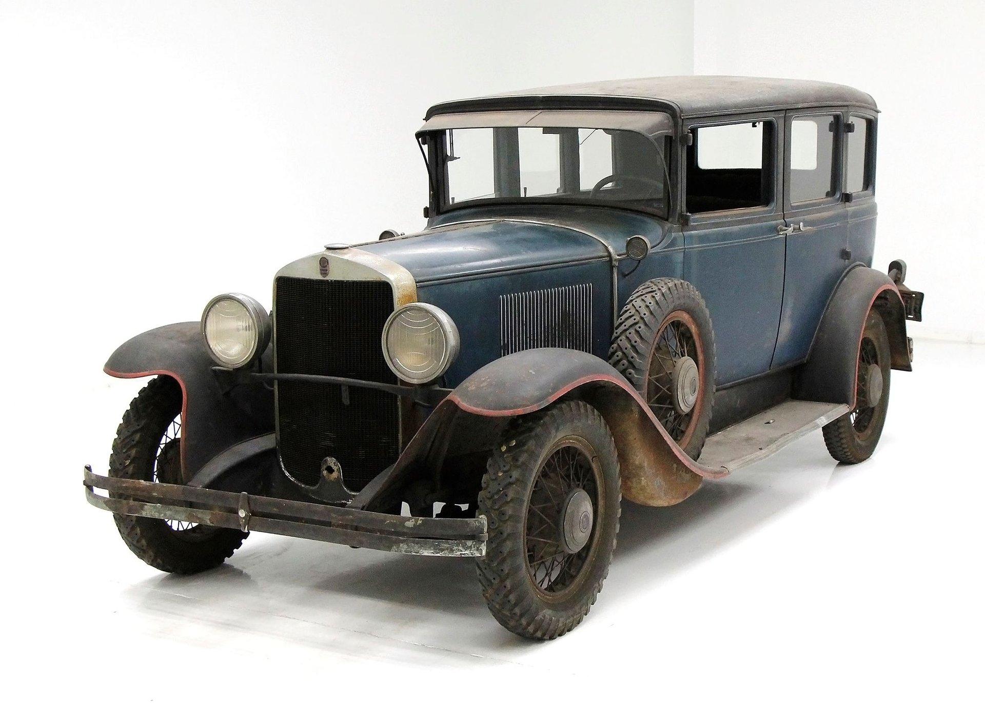1930 Graham Paige 615 Series Sedan