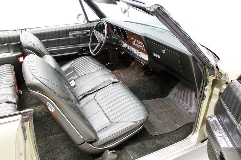 1968 Oldsmobile 98 32