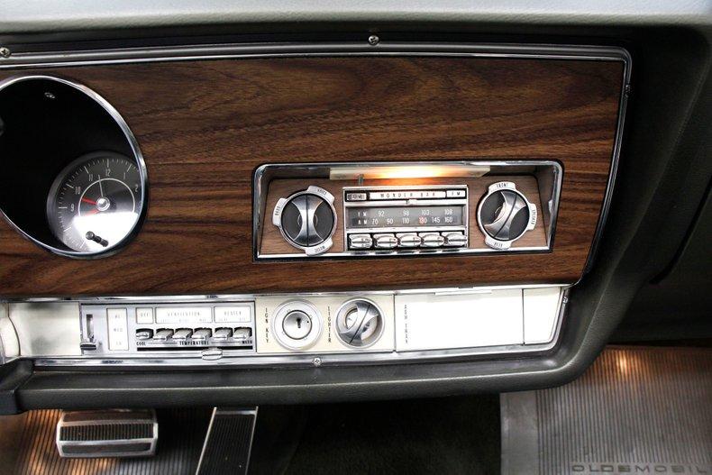 1968 Oldsmobile 98 38