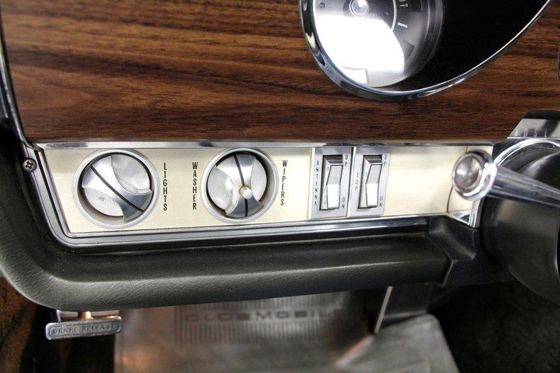1968 Oldsmobile 98 37
