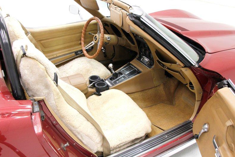 1975 Chevrolet Corvette Convertible 21