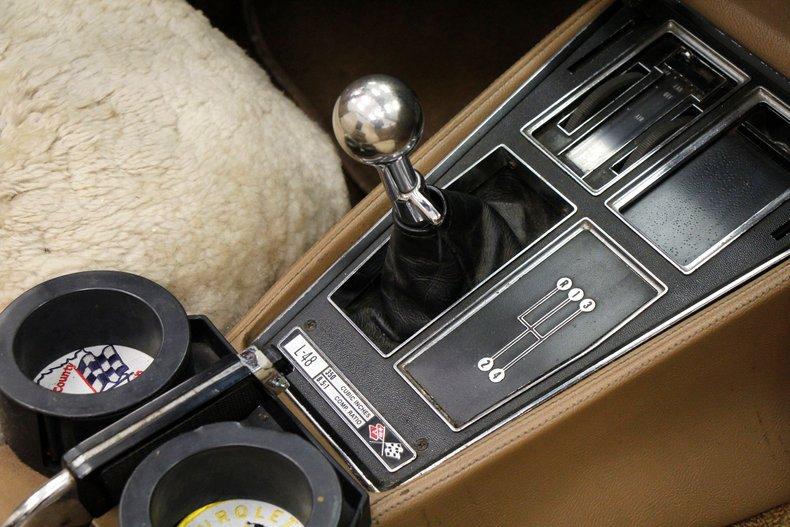 1975 Chevrolet Corvette Convertible 28