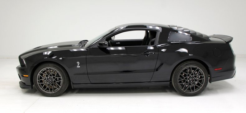 2013 Ford Shelby GT500 2