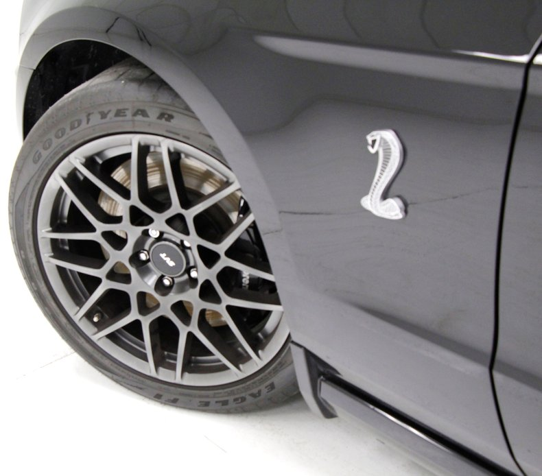 2013 Ford Shelby GT500 8