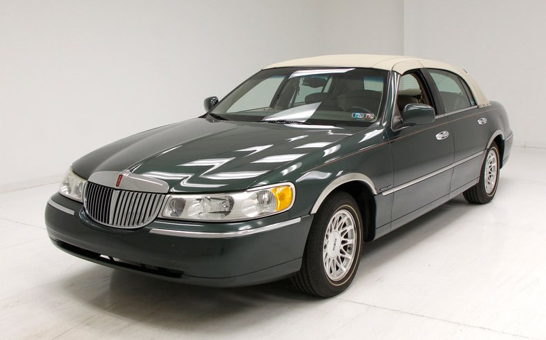 1999 Lincoln Town Car For Sale